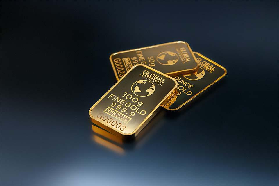 2020金價有著亮眼的表現,受到新冠疫情的影響,金價突破歷史新高,此現象也帶動了黃金收購潮。那麼,黃金收購價格是如何計算?流程怎麼走?黃金收購推薦找誰辦理最划算?話不多說,跟著我們繼續閱讀下去吧!黃金收購推薦找合法立案管道,優質的管道該怎麼挑?黃金收購推薦找誰?優質的管道要怎麼挑呢?銀樓、當鋪,這兩個地方是最多人辦理…