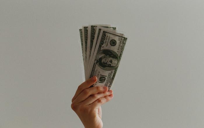 沒工作但急用現金怎麼辦?急用現金找合法優質急用現金台中當舖就是你最給力的後盾!當舖是人類社會最古老的行業之一,一般認為起於南北朝,但其實人類有了金錢概念之後,典當這個行為就出現了,也因此當舖一直以來都是民間借貸的主流,合法優質的當舖基本上承作的品項眾多,可以稱的上是萬物皆可質借。只要你認為你的物品有價值,而當舖也認同…